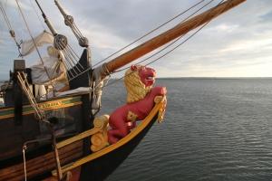 Парусник «Либава» совершает морские прогулки в Юрмале